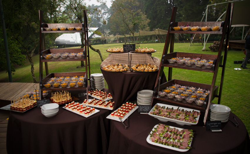 Welcome tasting table con gran variedad según tu gusto Cocinarte Fine Catering